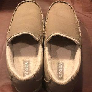 93f113d76deb CROCS Shoes - Men s Crocs with Sherpa lining size 11